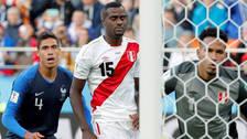 Raphael Varane elogió a la Selección Peruana tras su duelo en Rusia 2018
