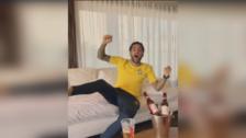 Así celebró Dani Alves el gol de Neymar con la Selección de Brasil
