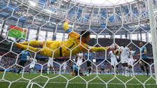 La gran atajada de Hugo Lloris que impidió el gol de Uruguay