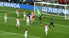 ¡Mala suerte! Mario Madzukic anotó el primer autogol de la historia en una final