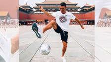 Cristiano Ronaldo hizo 'dominaditas' en la Ciudad Prohibida de China