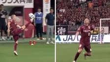Pura magia: el magistral control de Andrés Iniesta para bajar el balón