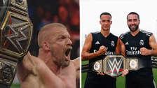 Por la Champions: Triple H entregó el cinturón de campeón de WWE al Real Madrid