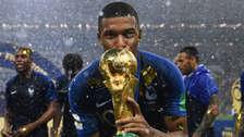 Mbappé: aseguran que es sobrehumano y que puede ser como Messi y Maradona