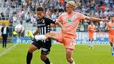 Cristian Benavente superó a tres defensores y se lució con pase gol