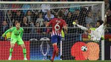 ¡Blooper! Marcelo falló solo frente al arco en el último minuto