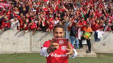 Una fiesta: así fue la locura en el estadio por ver a Paolo Guerrero
