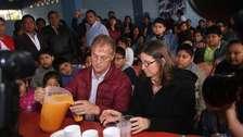 Elecciones 2018: Jorge Muñoz acudió a votar, pero se olvidó su DNI