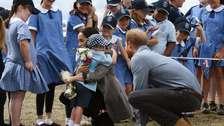 Meghan Markle encuentra su doble en Australia y el príncipe Harry rompe el protocolo