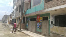 Casas sin ventanas ni puertas: las extremas medidas para protegerse de los huaicos en Trujillo