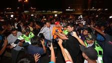¡Gran recibimiento! Paolo Guerrero y sus compañeros ya están en Perú