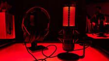 ¿Buscas un micrófono para YouTube o tus podcasts? Esto trae la caja del HyperX Quad Cast