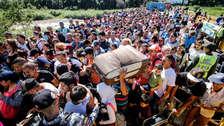Miles de venezolanos cruzan a Colombia tras reabrirse paso peatonal en la frontera