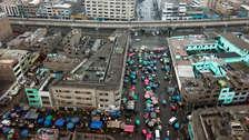 Imágenes aéreas muestran que ambulantes de avenida Aviación se trasladaron a calles contiguas