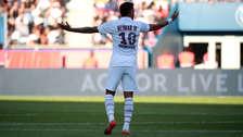 ¡Entre silbidos, insultos y un golazo de 'chalaca'! 12 imágenes del regreso de Neymar con el PSG