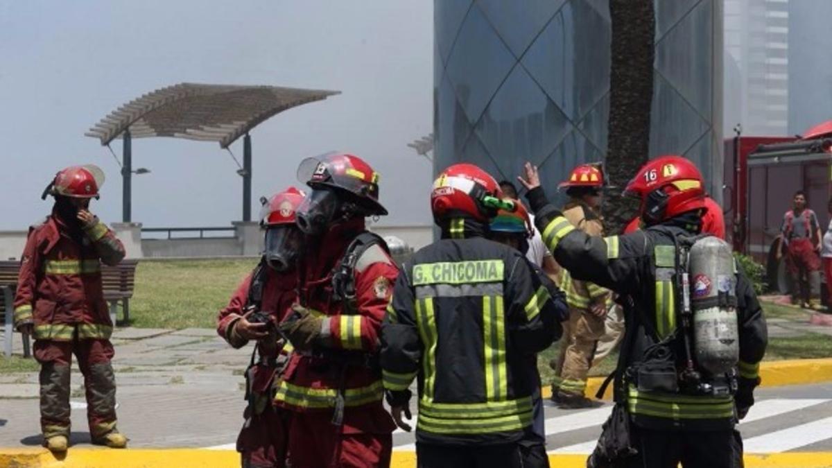Incendio en cine de Larcomar dejó al menos cinco muertos