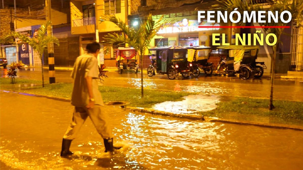 Intensa lluvia con truenos y relámpagos cae sobre Piura