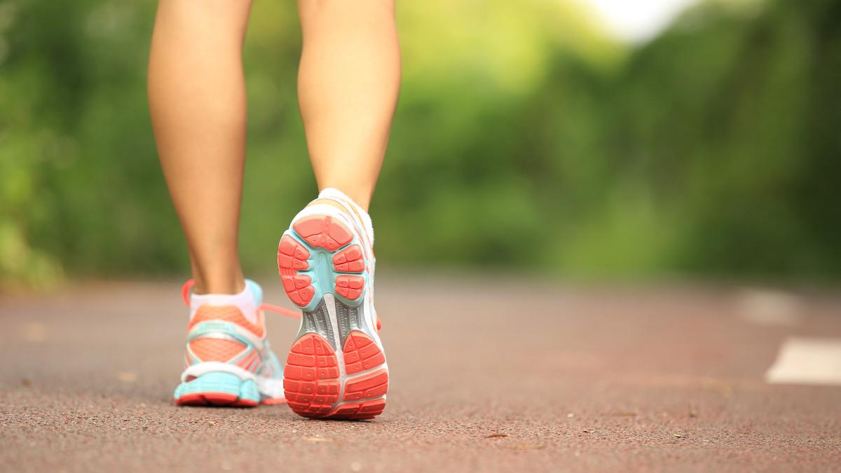 Consejos para evitar los incómodos hongos en los pies | RPP Noticias