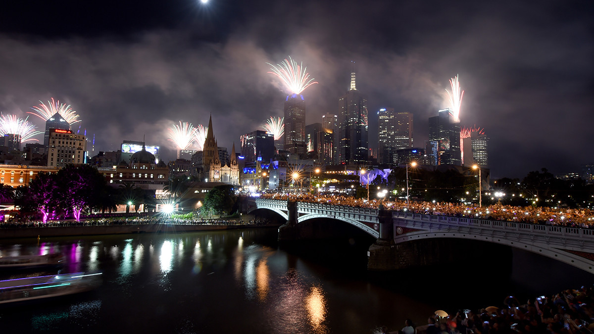 Melbourne, Australia, celebró el Año Nuevo 2018 con fuegos artificiales. | Fuente: AFP
