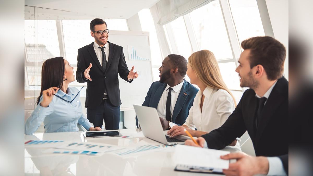 El CEO se encarga de la gestión y dirección administrativa de la empresa.