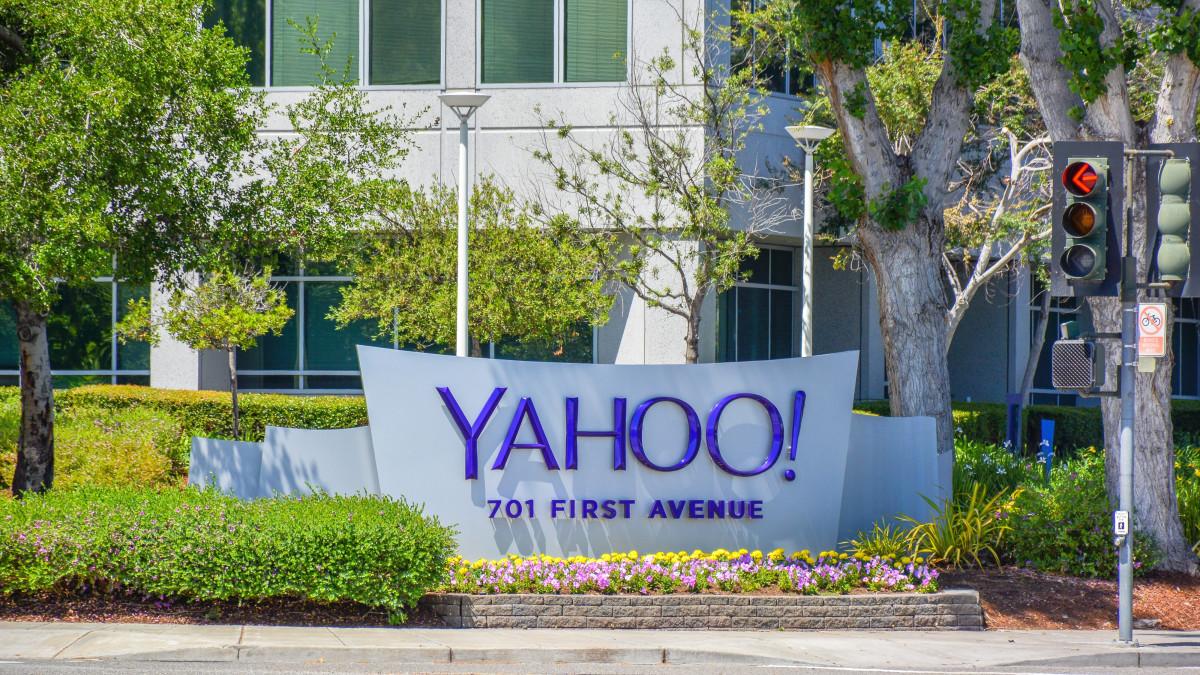 Jerry Yang y David Filo, fundadores de Yahoo!, se conocieron en un programa de doctorado de Stanford en 1994.