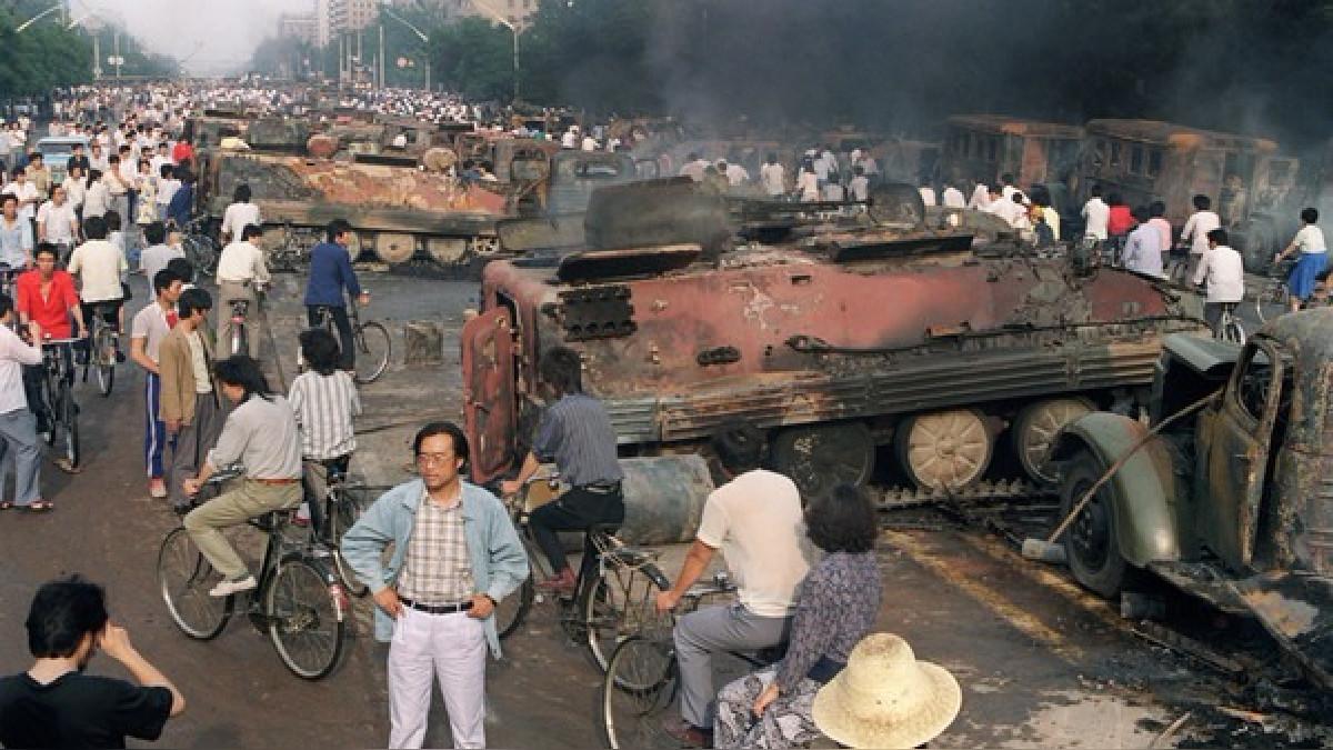 Reportes británicos estiman que hasta 10 mil personas murieron en la masacre de Tiananmen.