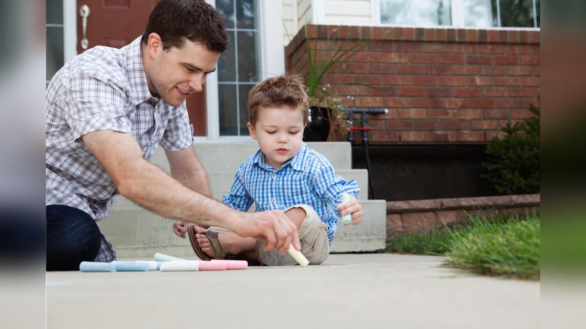 Es importante compartir momentos al aire libre con el pequeño del hogar.