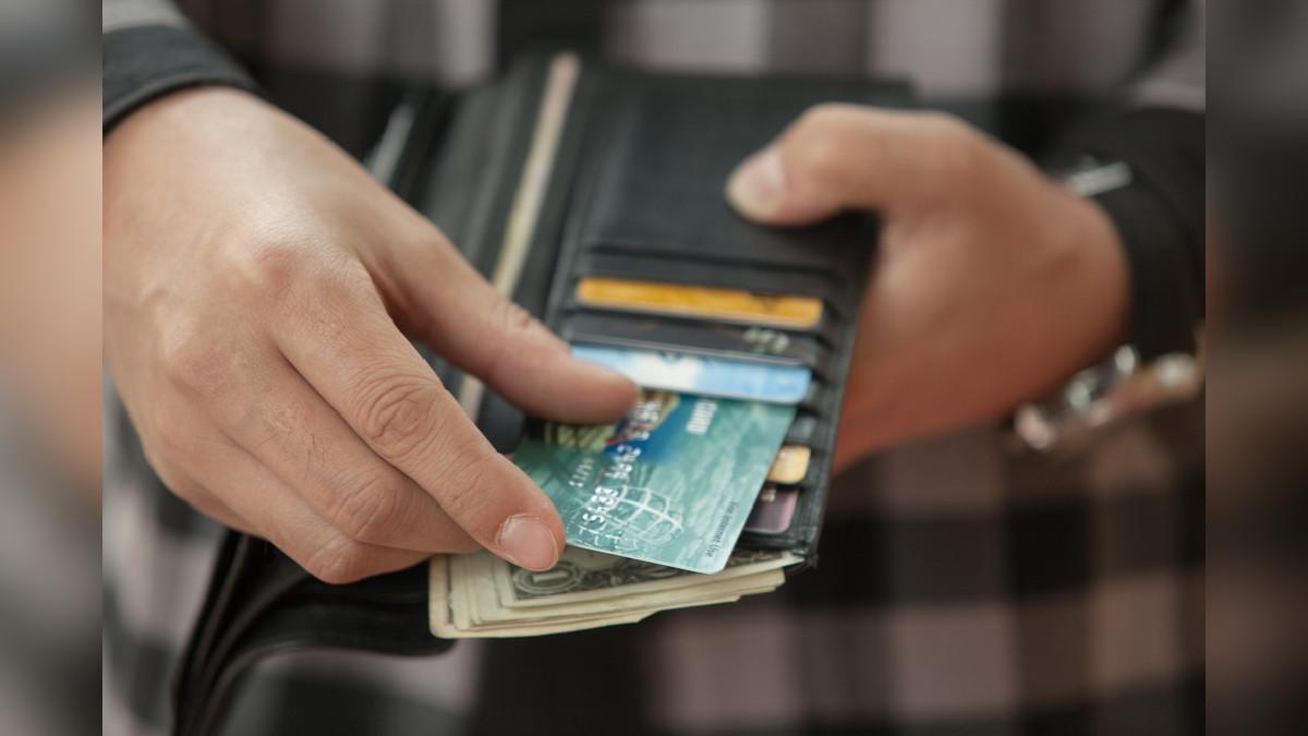 Comprar compulsivamente y sin razones no solo generará un desbalance en tus finanzas, sino que podría convertirse en una inversión muerta.