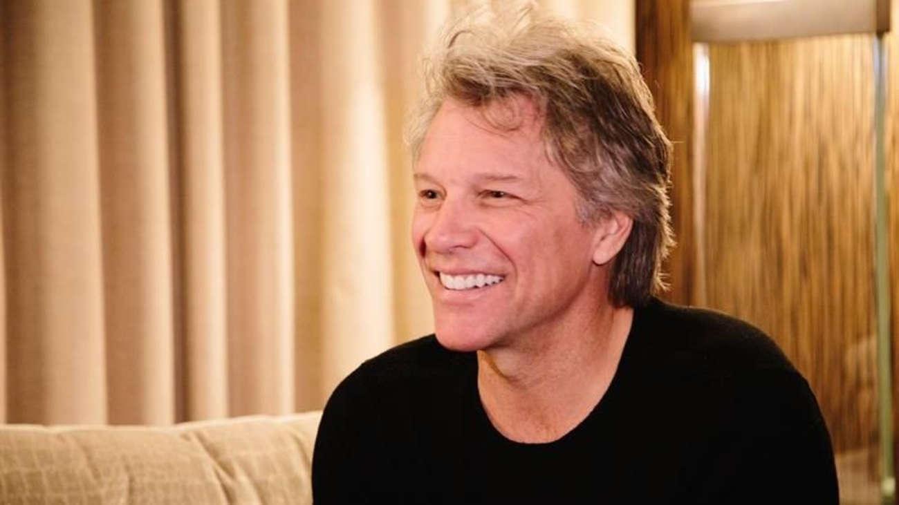 Jon Bon Jovi asegura llevar una vida distinta a otros rockeros