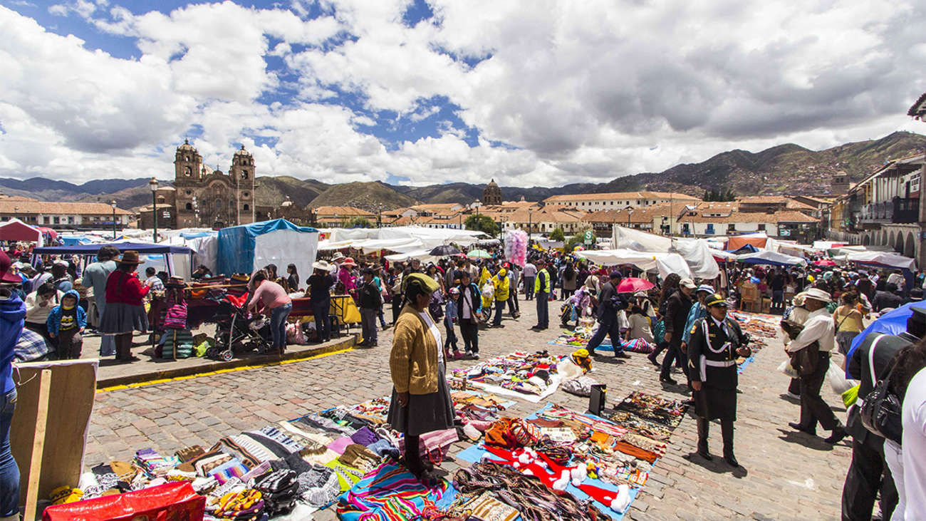 Cusco   Santuranticuy: Una fiesta costumbrista imperdible previa a la  Navidad   RPP Noticias
