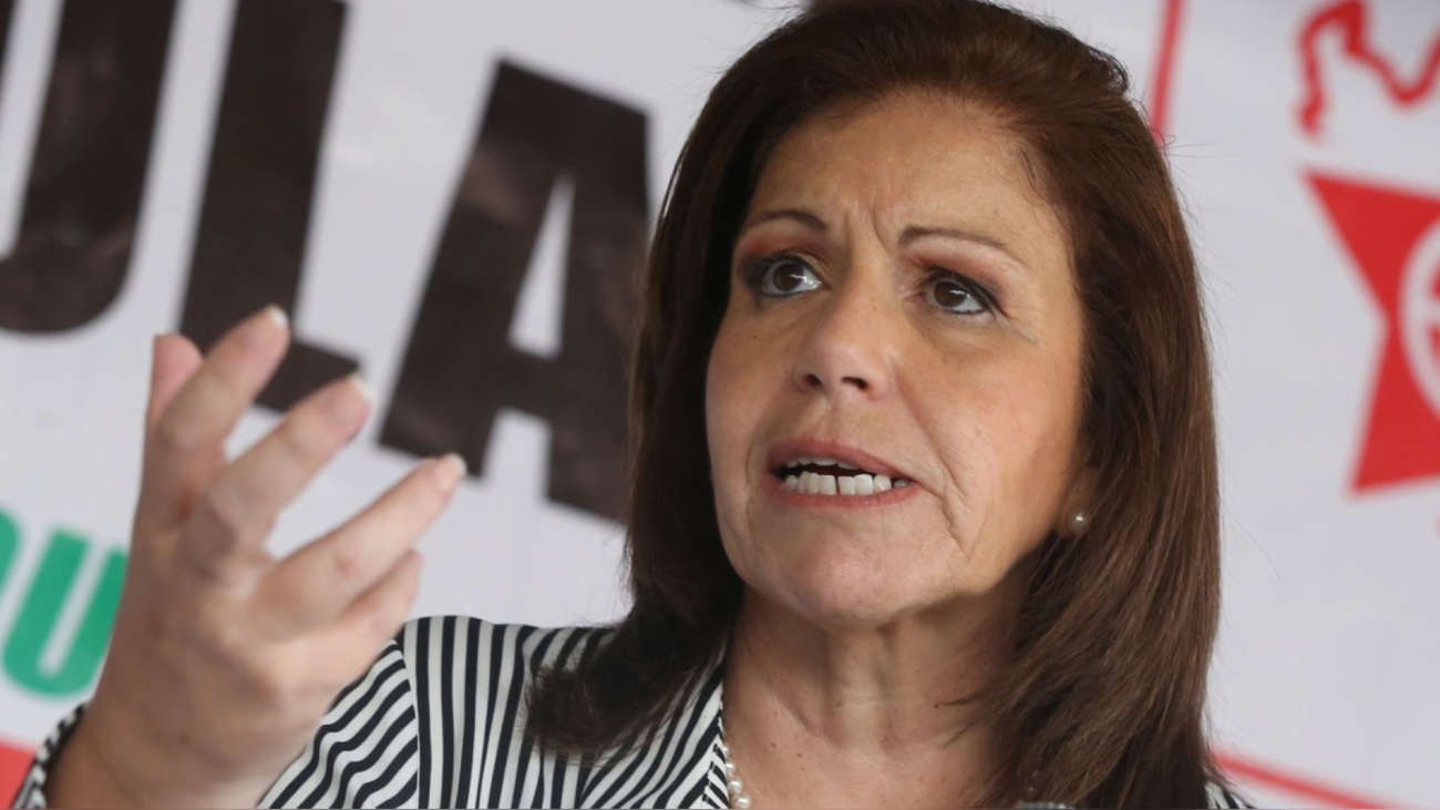Lourdes Flores y aspirante a colaborador discutieron eventual defensa sobre aportes de campaña