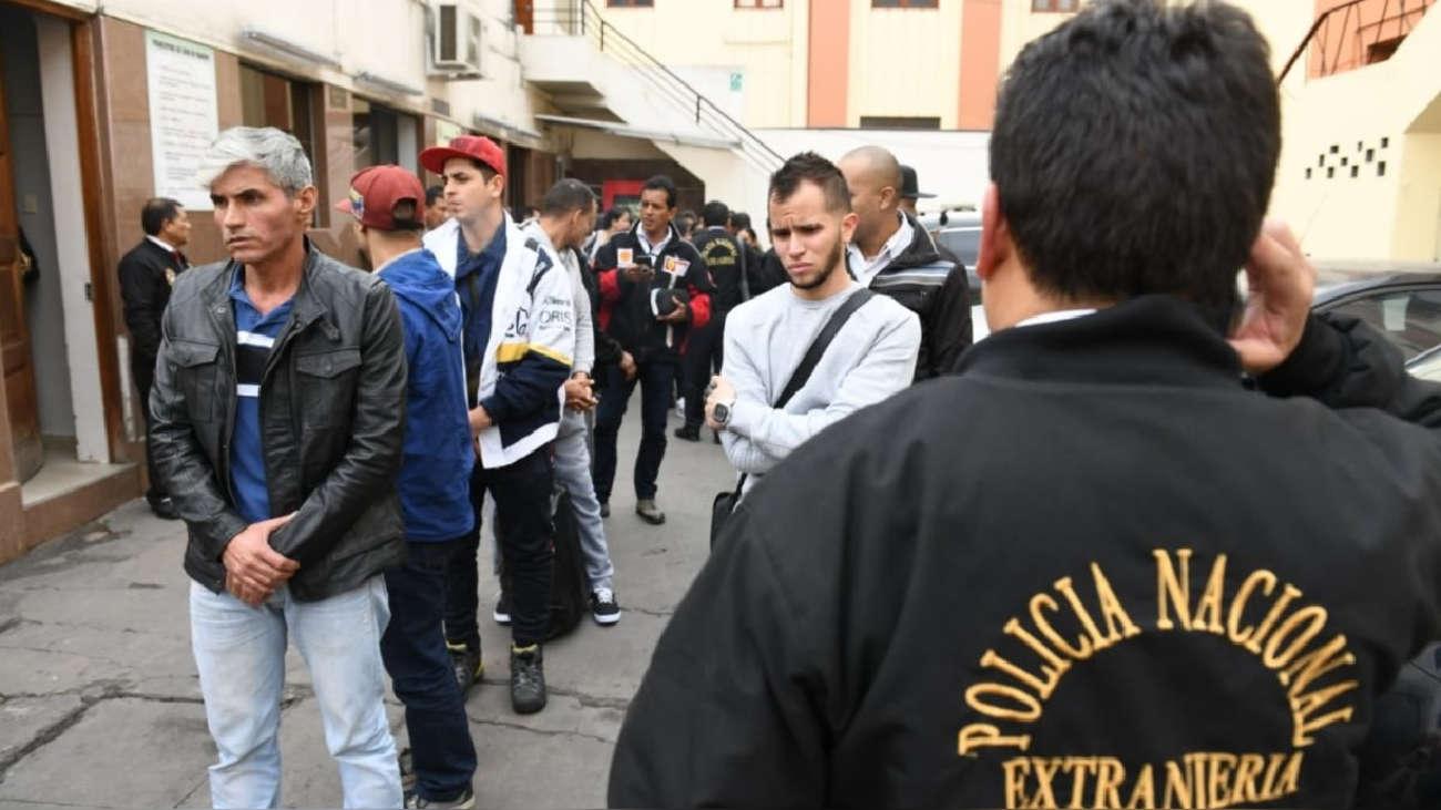 Perú expulsa a un cuarto grupo de extranjeros con antecedentes policiales