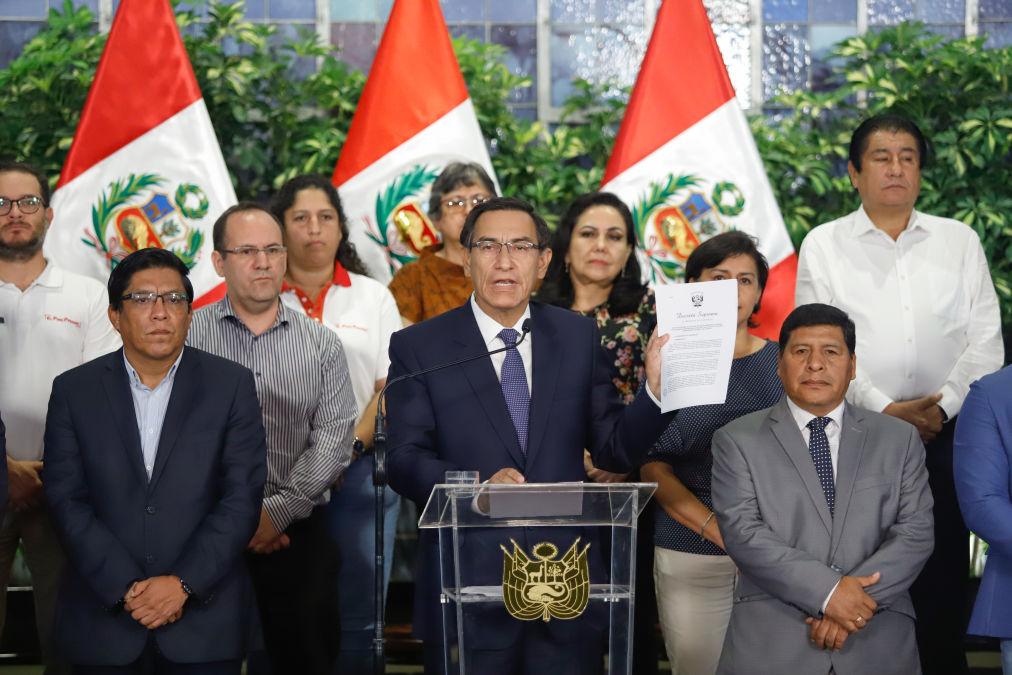 Martín Vizcarra decreta el estado de emergencia nacional y dispone aislamiento social obligatorio